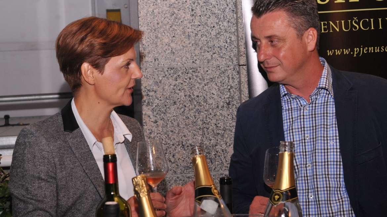 Svoj i drugačiji: šampanjac ili pjenušac?